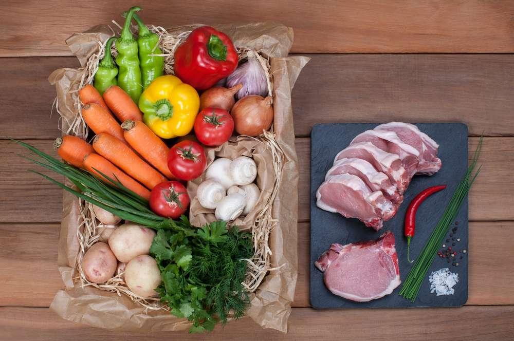 Ласточка Свиные отбивные с овощами и грибами