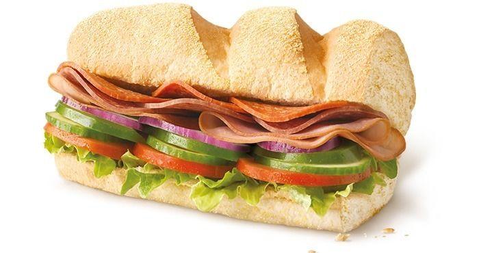 Доставка еды Острый итальянский сэндвич
