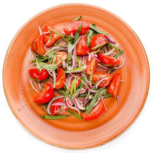 5642 Высота Салат из помидоров с красным луком и тархуном