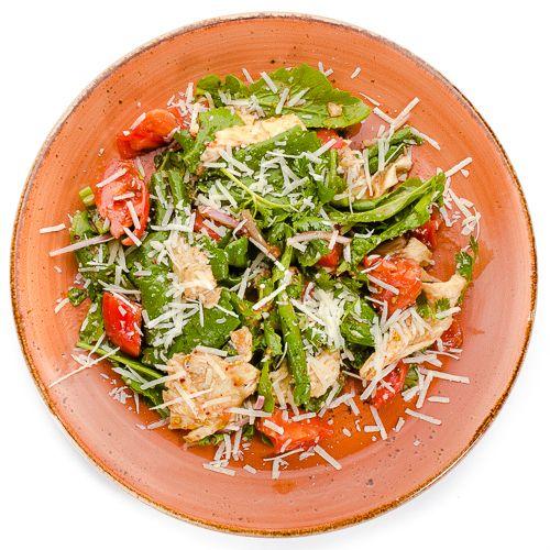 5642 Высота Салат из помидоров с цицмати и сыром сулугуни