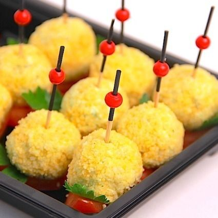 Ministerstvo Catering Company Балканская закуска из пряного сыра