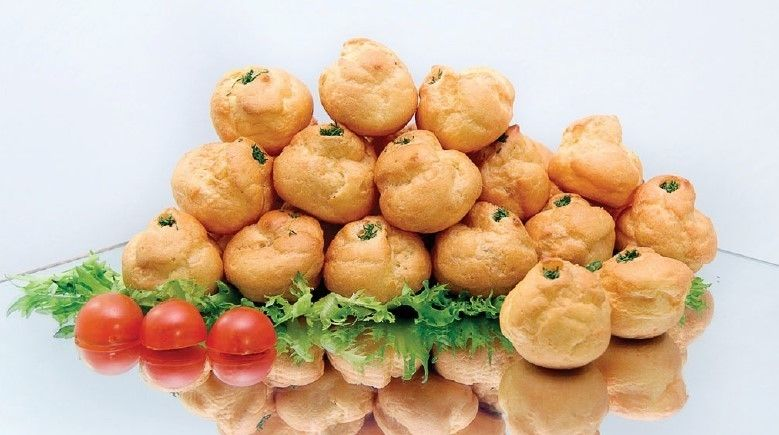 Cote Catering Воздушные профитроли с муссом ди Маре