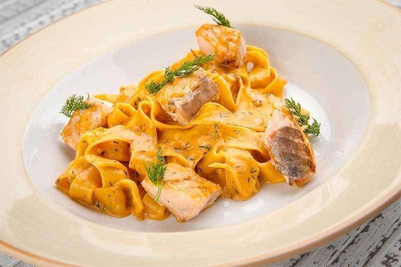 Лимончино Папарделле с филе лосося