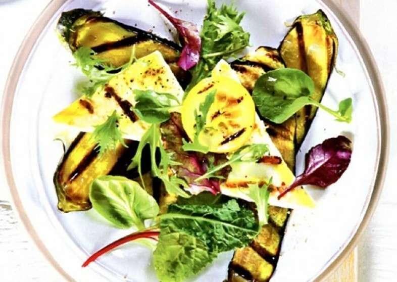 Добрый грузин Теплый салат с баклажаном и сыром