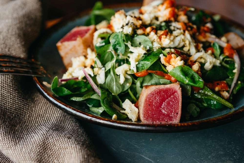 Craft Kitchen Зеленый салат с тунцом на гриле