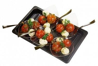 Ministerstvo Catering Company  Бэби-моцарелла с томатами черри и веточкой тимьяна