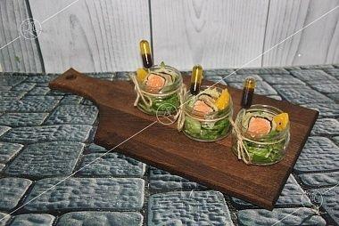 Ministerstvo Catering Company Салат в азиатском стиле с лососем, цитрусовыми и медовой заправкой
