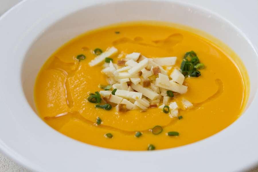 Хачапури Тыквенный суп с копченым сулугуни