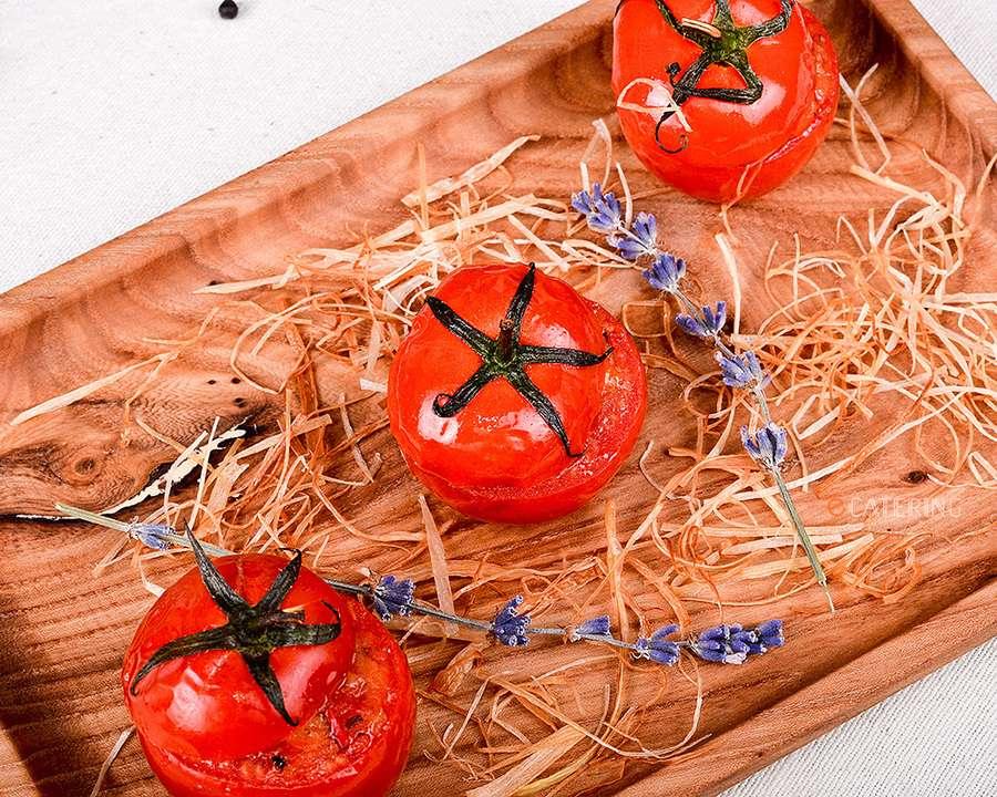 ёКейтеринг Печеные томаты с овощной капонатой