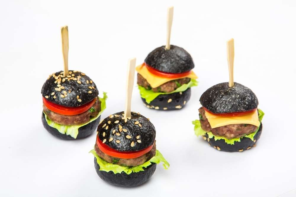 Il Giorno Catering Черный нано-бургер с говядиной