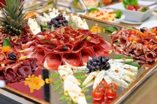 Ministerstvo Catering Company Премиум канапе и закуски на 10—15 персон