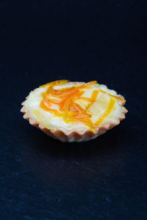 Жаворонок Тарталетка песочная с лимонным заварным кремом