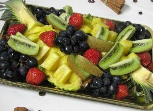 Villaggio fest Ассорти из фруктов с клубникой
