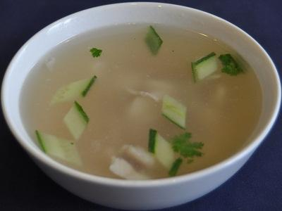 Ян Гон Суп из судака и свинины, заправленный овощами