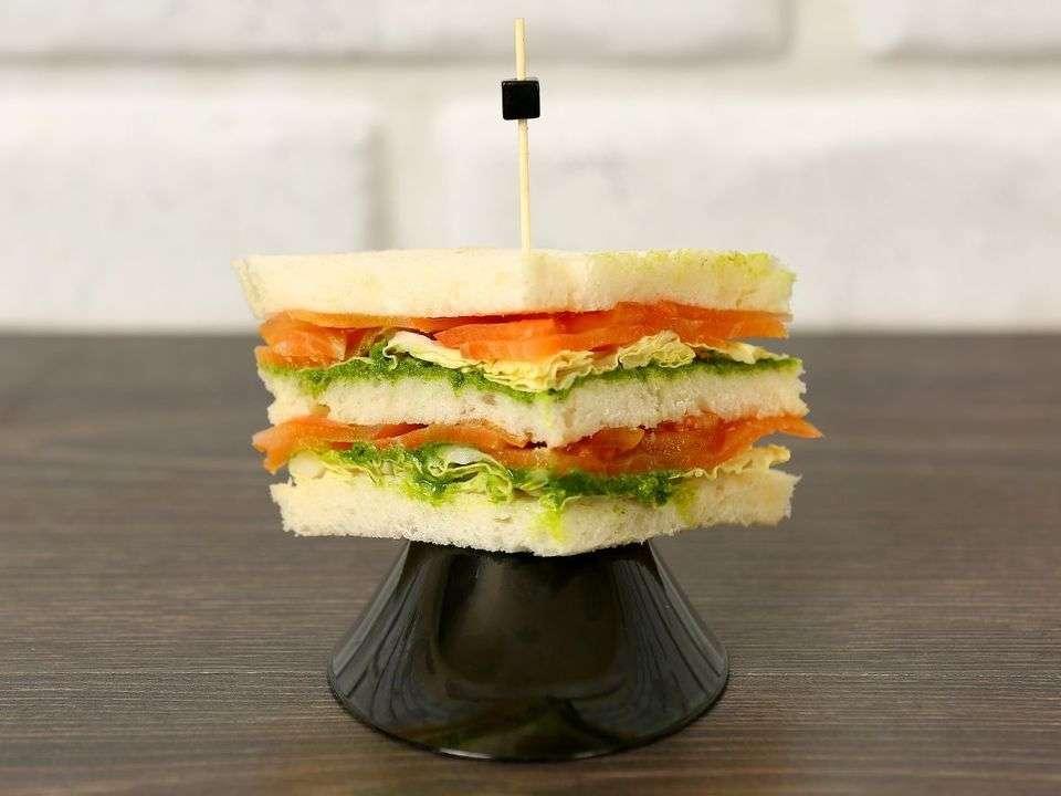 Лаборатория Вкуса Сэндвич с семгой