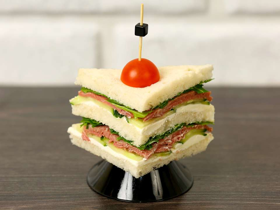 Лаборатория Вкуса Сэндвич с копченой бараниной