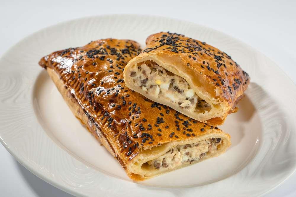 Азбука Вкуса Кейтеринг Домашний итальянский пирог с курицей конфи, куриными сердечками и яйцом