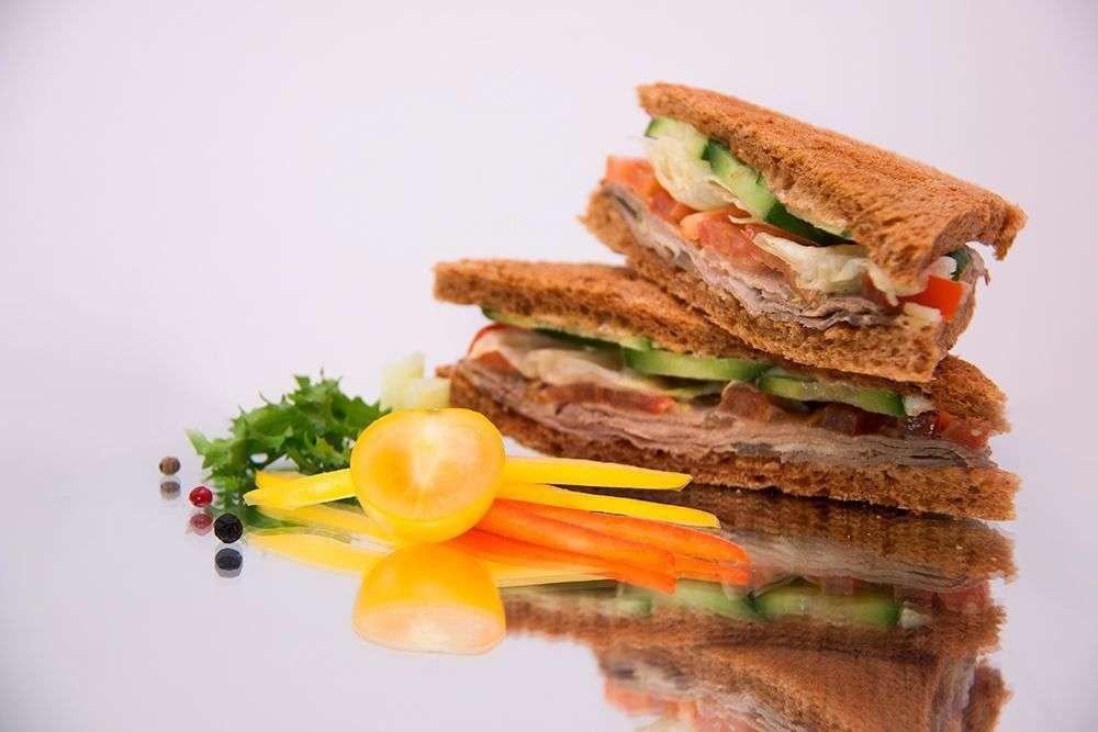 Cote Catering Клаб-сэндвич с ветчиной и сыром