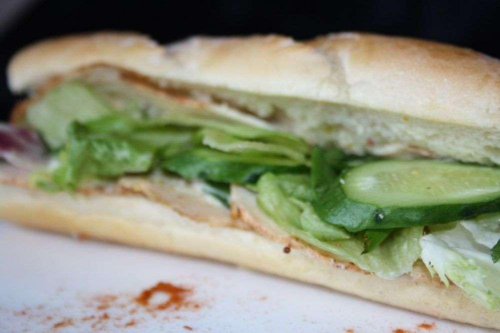 Cote Catering Багет-сэндвич с курицей