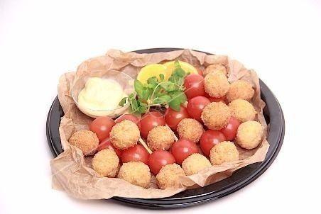 Ministerstvo Catering Company Куриный болл с томатами Черри
