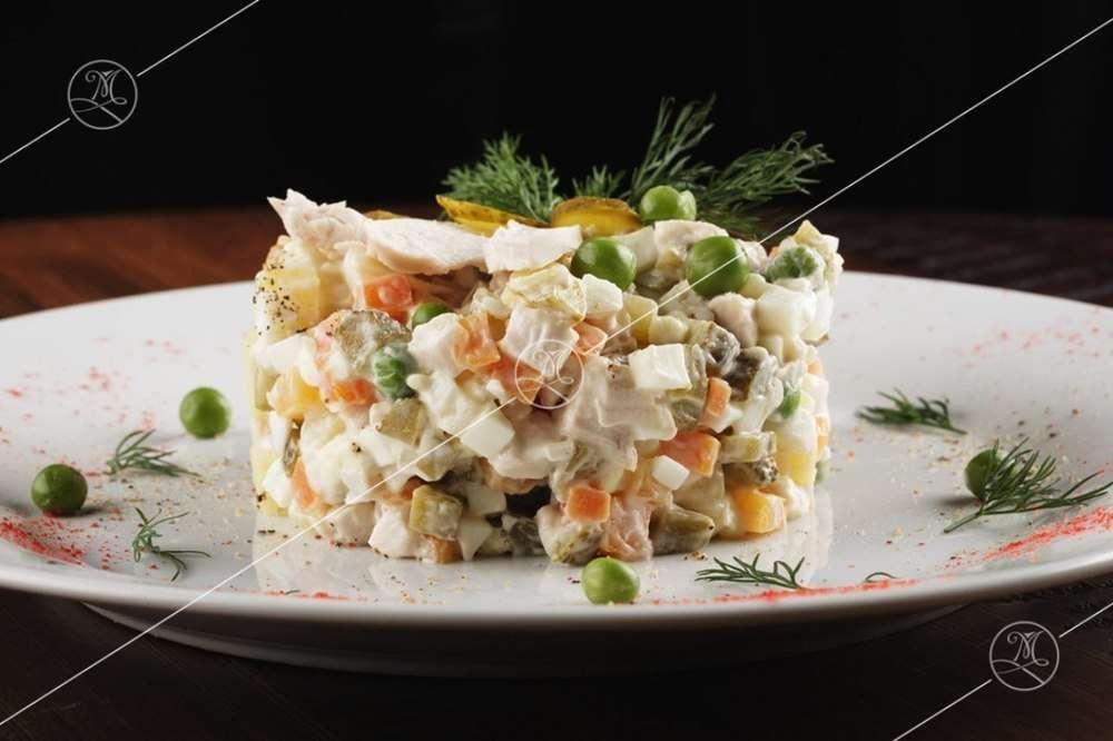 Ministerstvo Catering Company Салат «Оливье» классический