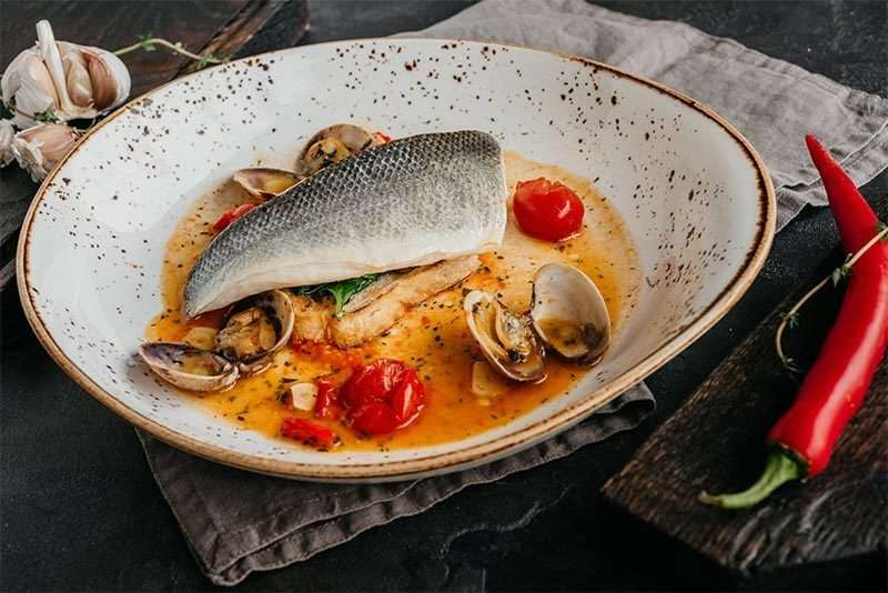 il Forno Филе сибаса с соусом «Аква Пацо»