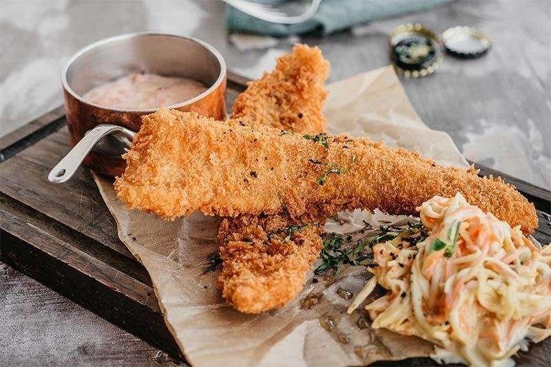Craft Kitchen Хрустящий судак с салатом коул слоу соусом «1000 островов»