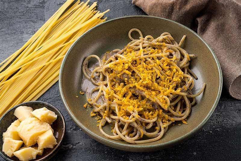 Fornetto Спагетти с трюфельным кремом и ботаргой из желтка