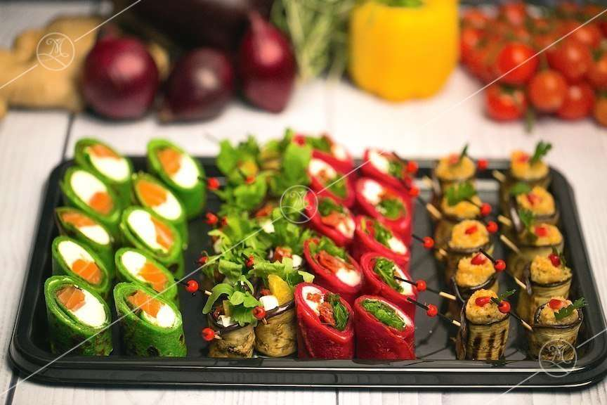 Ministerstvo Catering Company Набор канапе «Дуэт Блина и Баклажана»