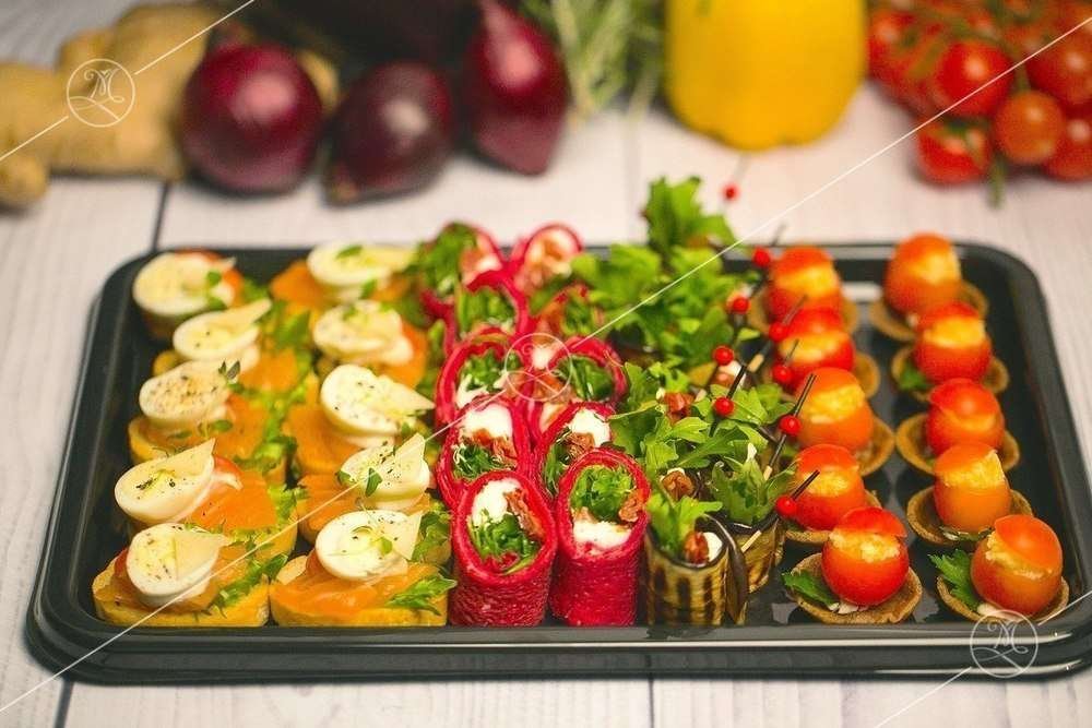 Ministerstvo Catering Company Набор канапе и мини-закусок — 40 шт.