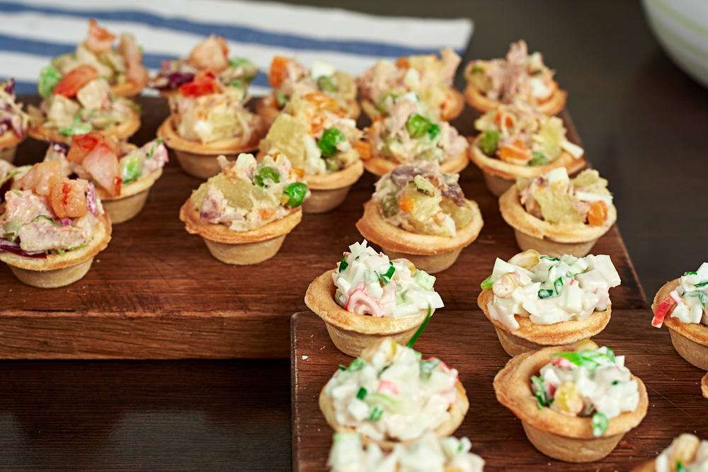 Semplice Catering Тарталетка с салатом из крабового мяса