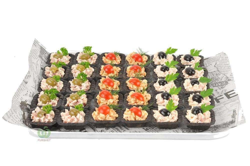 Assorty Furshet Ассорти тарталеток с муссами из ветчины, салями и чоризо