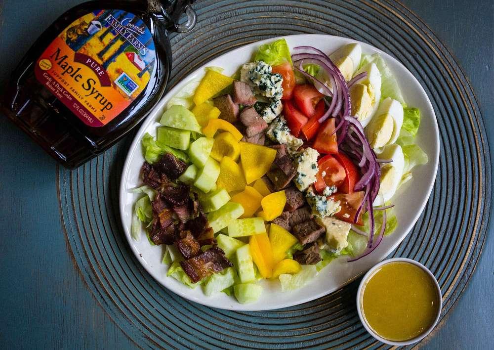 Primebeef Bar Кобб салат