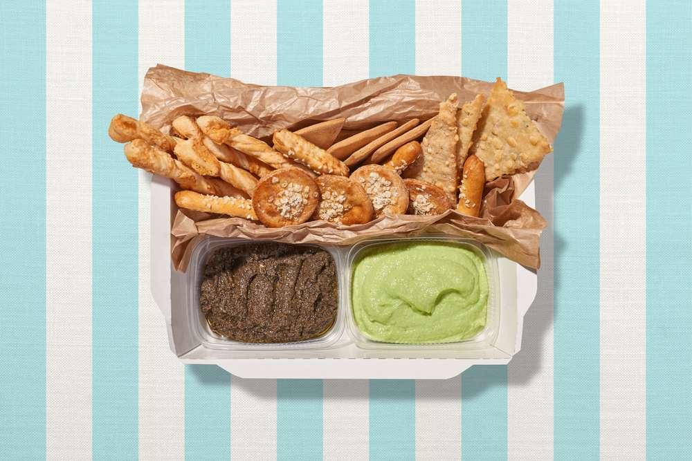 Parus Catering Коробка с дипами и печеньками Гауди