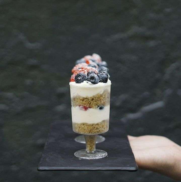 Teabakery Десерт с ягодами