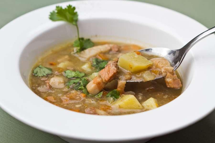 Хачапури Густой чечевичный суп с копченостями